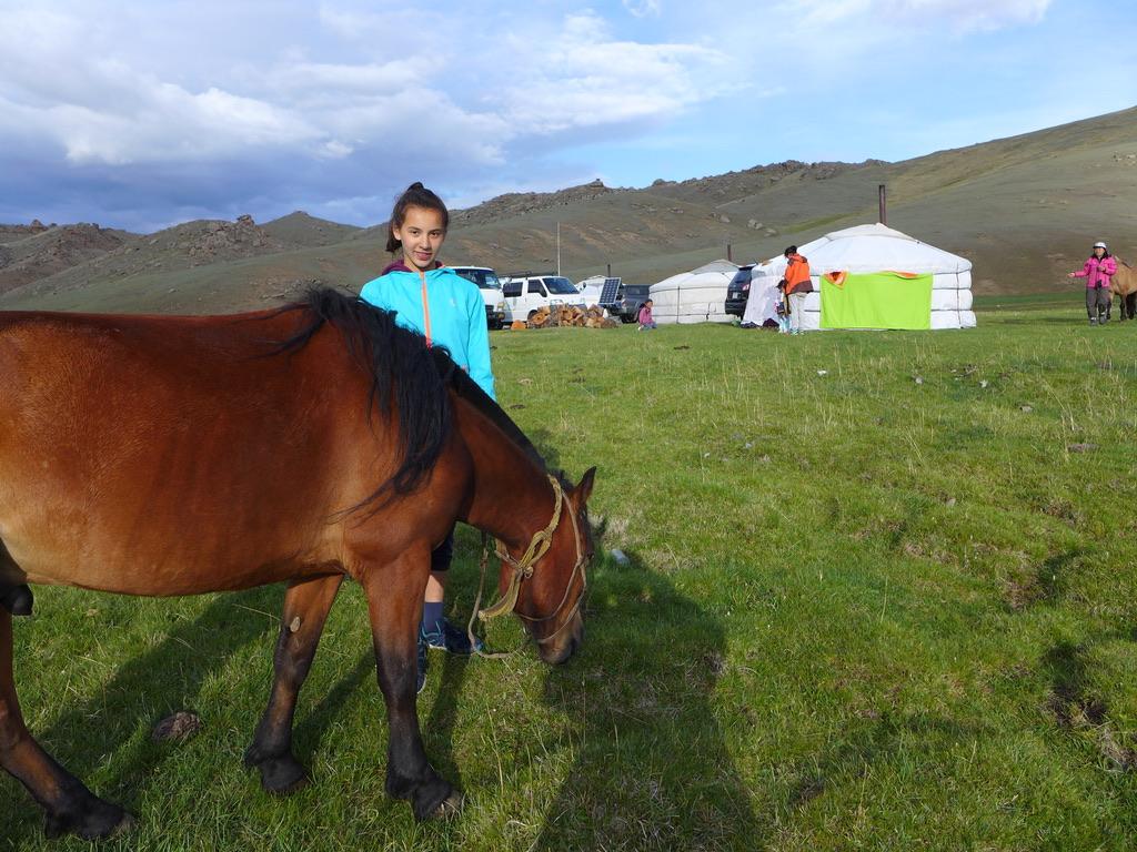 Authentische Erlebnisreisen in die Mongolei, Ausreiten mit dem Pferd, Mongolei Reise, Meine Mongolei, Mongolei Reisegruppe, Mongolei Reisen mit Pferd, geführte Reise Mongolei, Abschalten, Erholen, Abenteuer, Außergewöhnliche Reisen