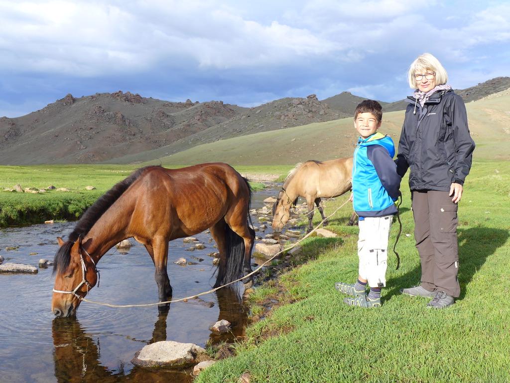 Authentische Erlebnisreisen in die Mongolei, Mongolei Reise, Meine Mongolei, Mongolei Reisegruppe, Mongolei Reisen mit Pferd, geführte Reise Mongolei, Abschalten, Erholen, Abenteuer, Außergewöhnliche Reisen, Mongolei Rundreise, Wandern, Erlebnisreise, Abenteuerreise